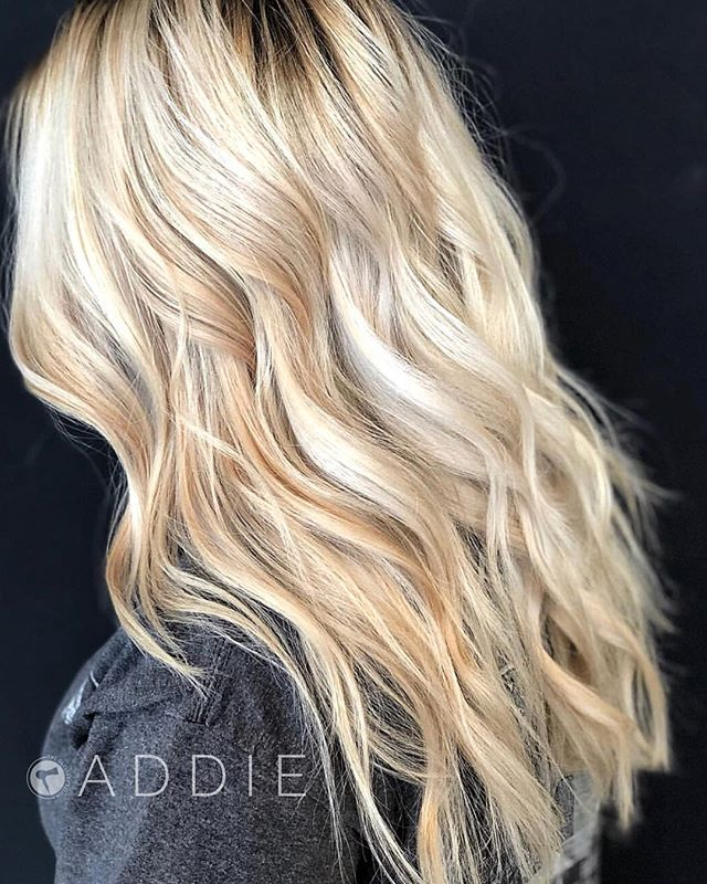 Are you thinking about doing anything new with your hair this fall?! . More blonde, more depth, a little more auburn?! . Little tweaks are our favorite... . But who's kinding! . We love the huge makeovers too! . Gorgeous blonde by @addie.hair! . To schedule an appointment online visit theglossarysalon.com!!