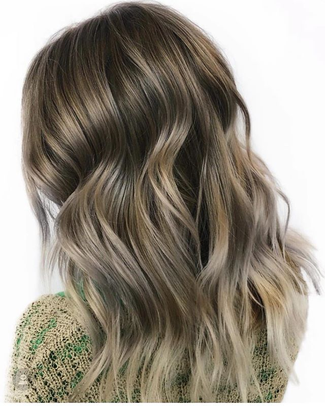 @hbglosskc is one of our balayage specialist! Are you following her yet?  . . Appointment with Hannah at theglossarysalon.com