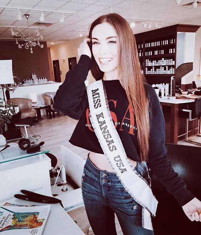 Good luck Miss Kansas!! We're loving watching the run up to the big event! @missksusa . Rocking to rows of @naturalbeadedrowsextensions . . Appointments and more information at NBRkc.com or theglossarysalon.com!