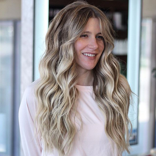 Swipe to see lots more my trick to dimensional blondes...add a lot brown! Ironic right? If you have questions, pop them in the comments! I'd be happy to help! ⠀⠀⠀⠀⠀⠀⠀⠀⠀ Looking for more information in NBR and why what we do is different? Start by smashing the linking my bio!